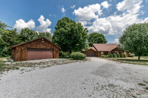 6088 North Farm Rd 105, Willard, MO 65781
