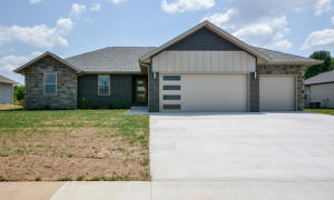 928 West Audrey, Republic, MO 65738