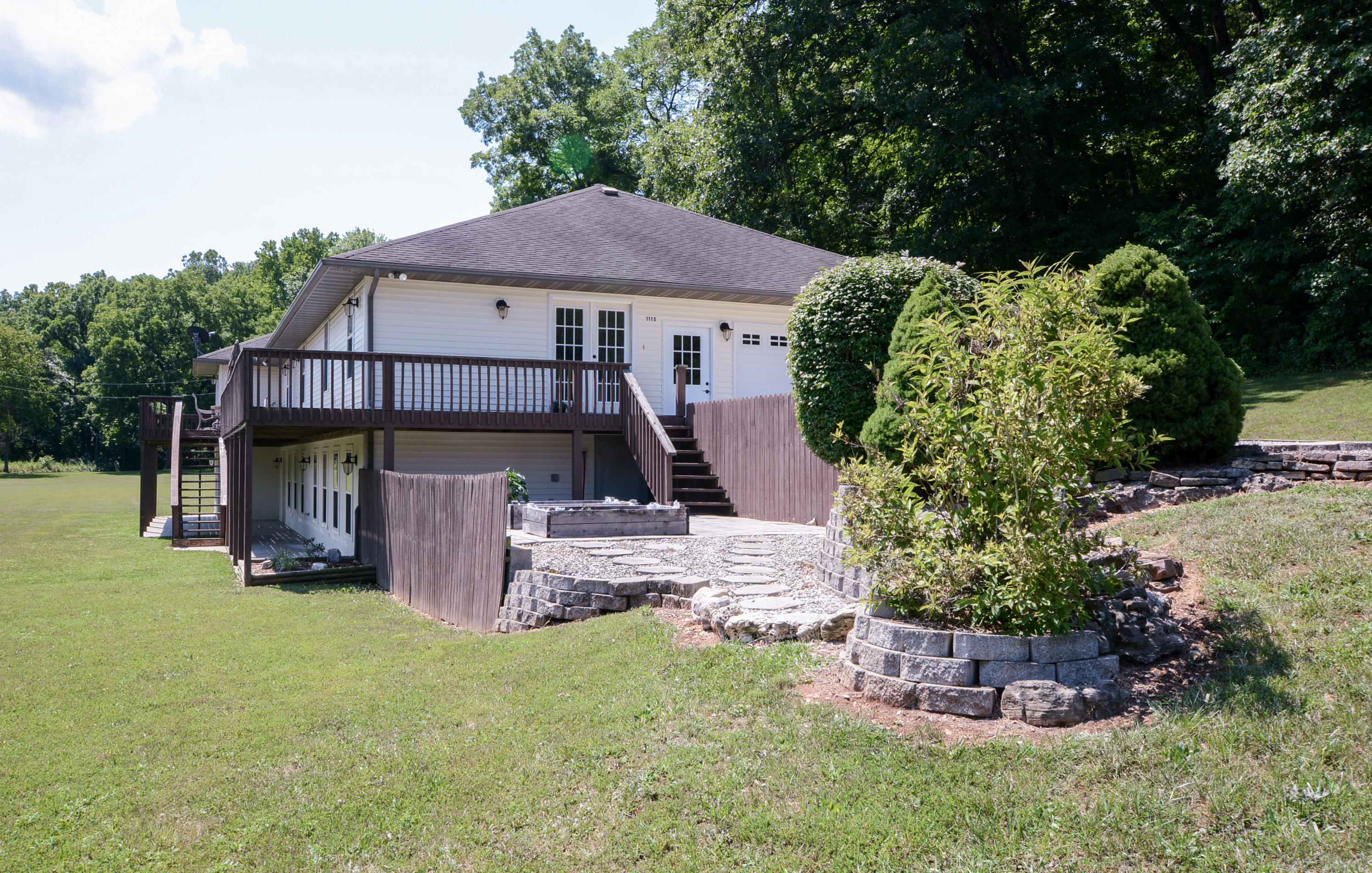 1115 Bear Creek Road Walnut Shade, MO 65771