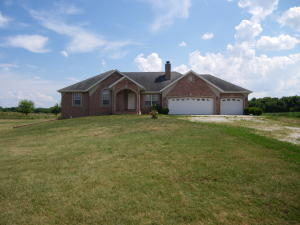 8492 West Farm Rd 64, Willard, MO 65781