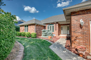 4682 South Quail Creek Avenue, Springfield, MO 65810