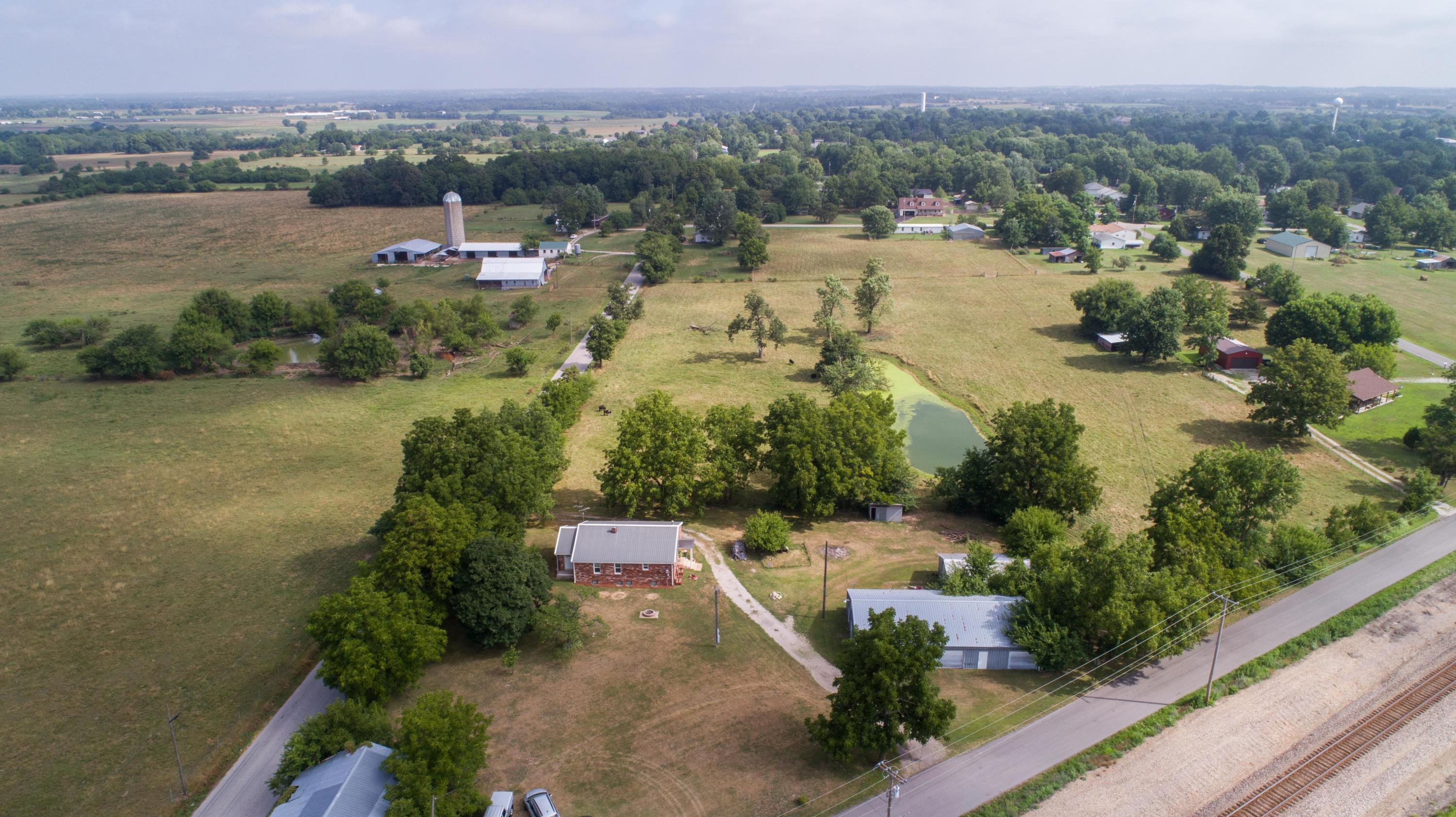 712 South Western Marionville, MO 65705