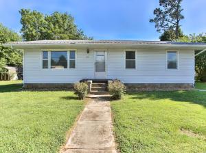 415 East Prairie Lane, Ash Grove, MO 65604