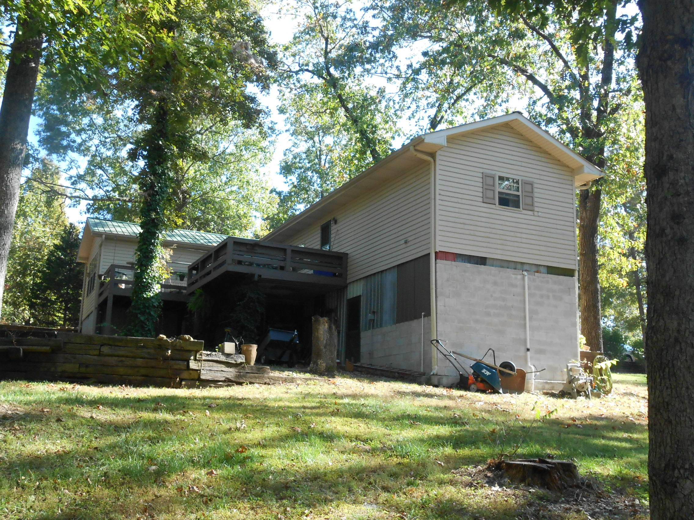 191 Gibson Road Hollister, MO 65672