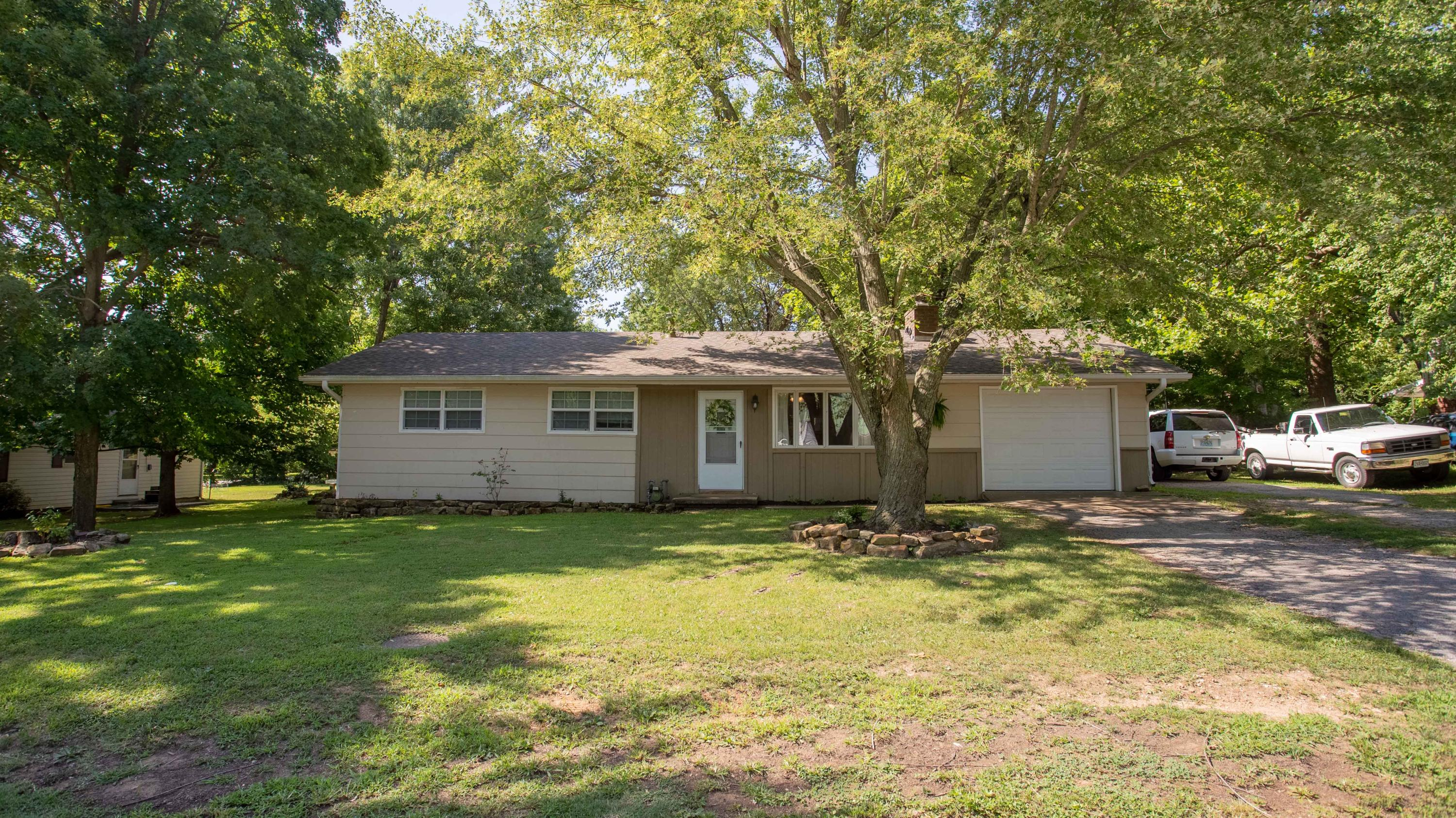 110 East South Street Marionville, MO 65705