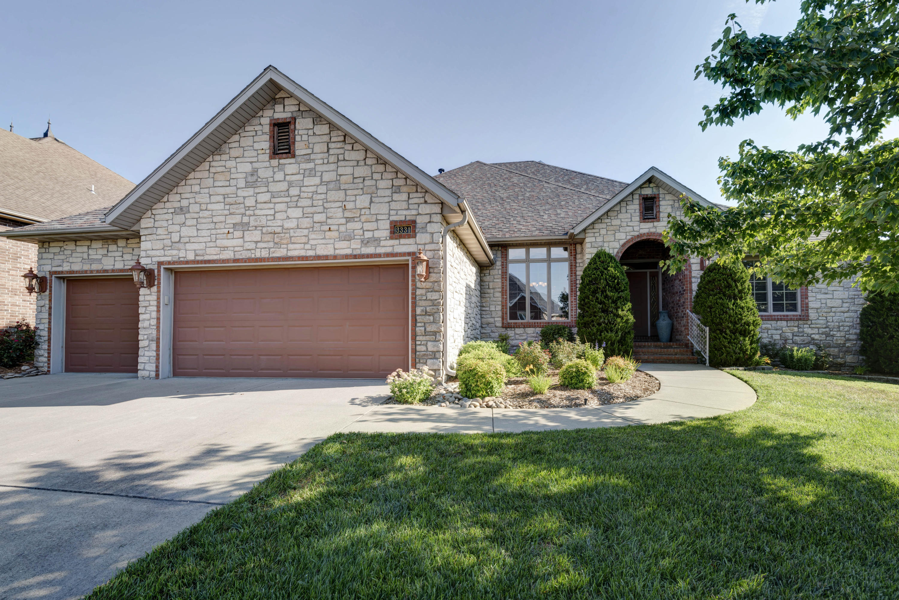 3331 East Manitoo Street Springfield, MO 65804