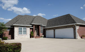 106 Island Green Drive, Republic, MO 65738