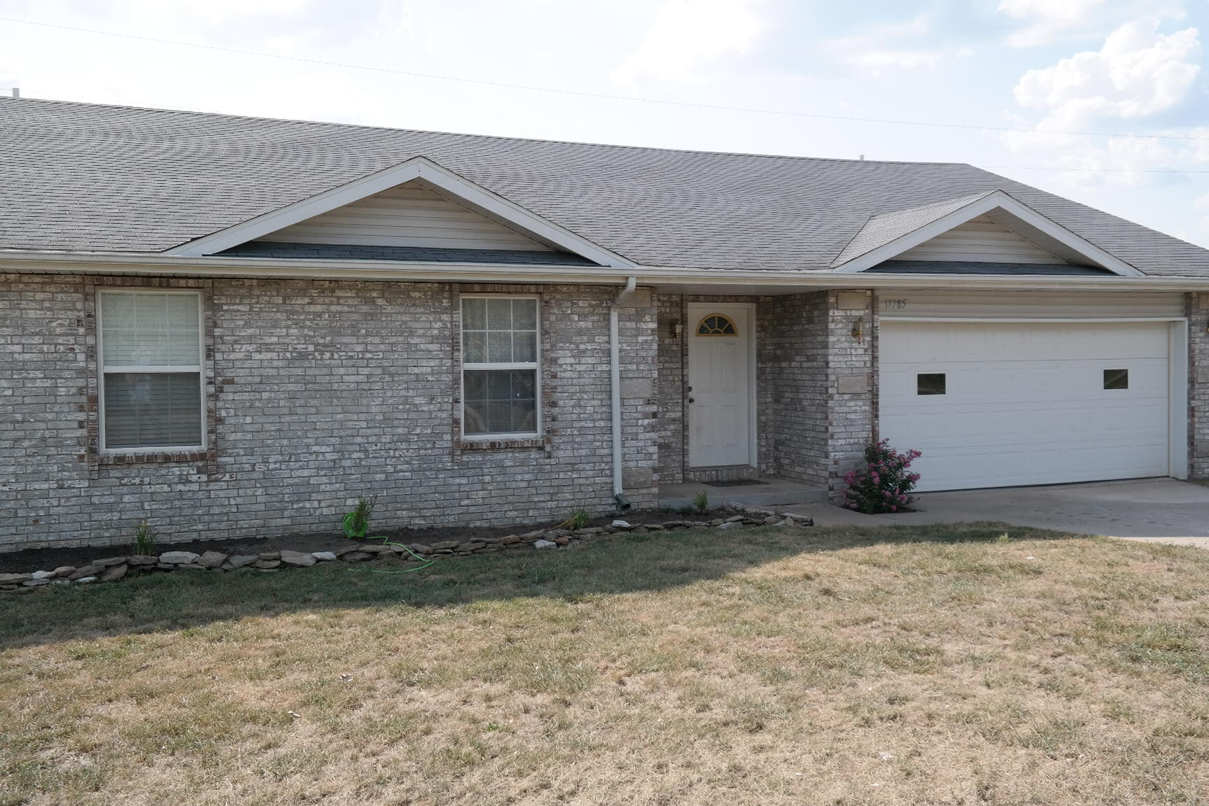 17785 Lawrence 1232 Marionville, MO 65705