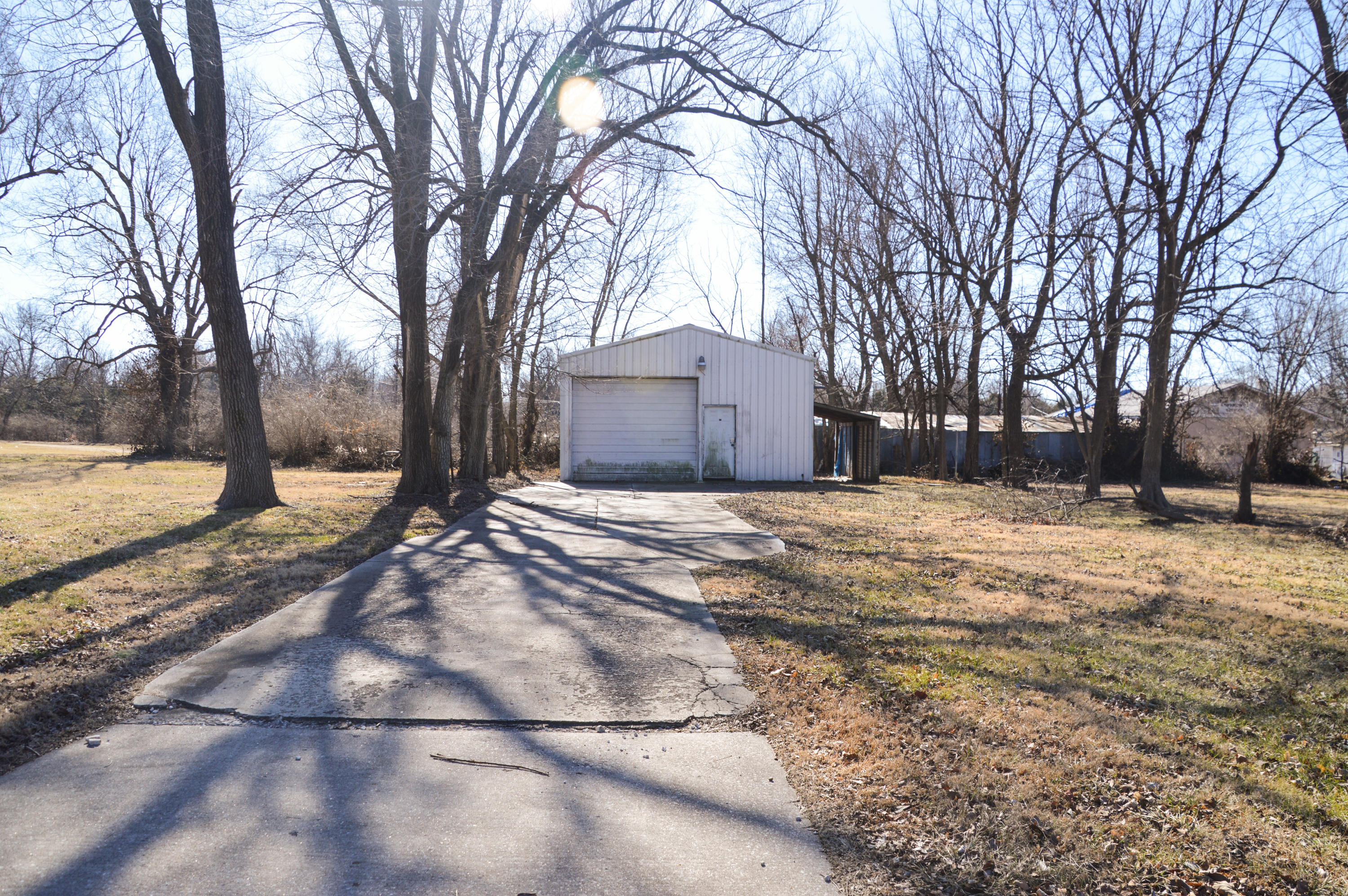 3208 West Division Street Springfield, MO 65802