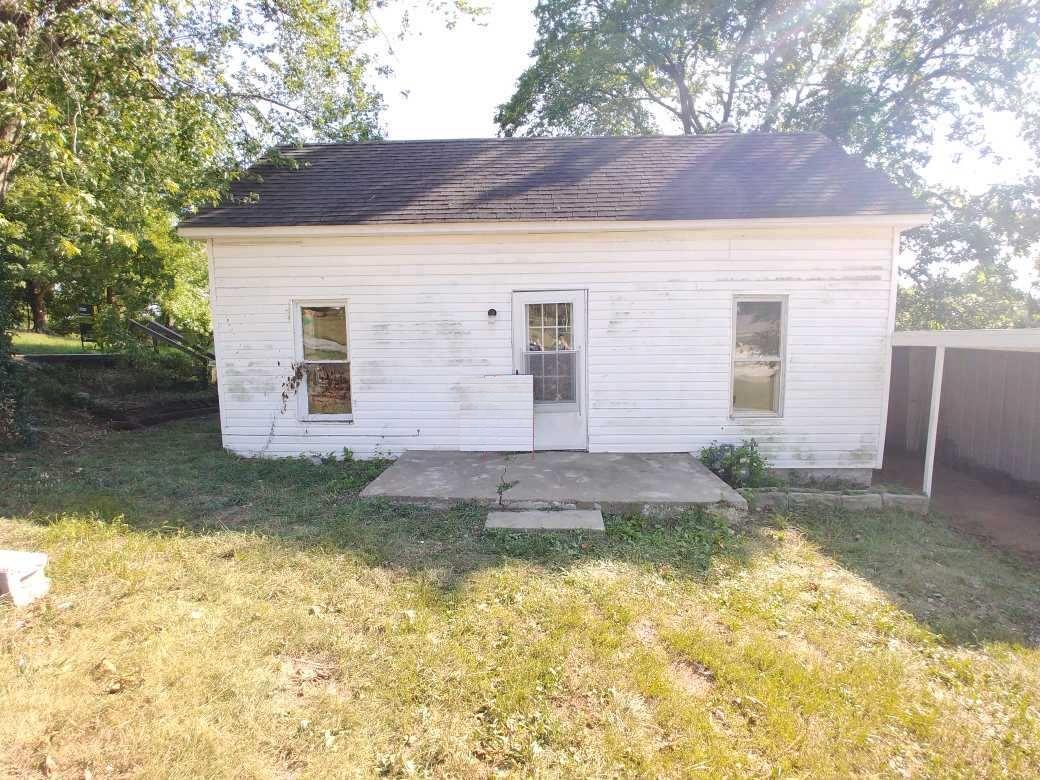 100 West Park Avenue Crane, MO 65633