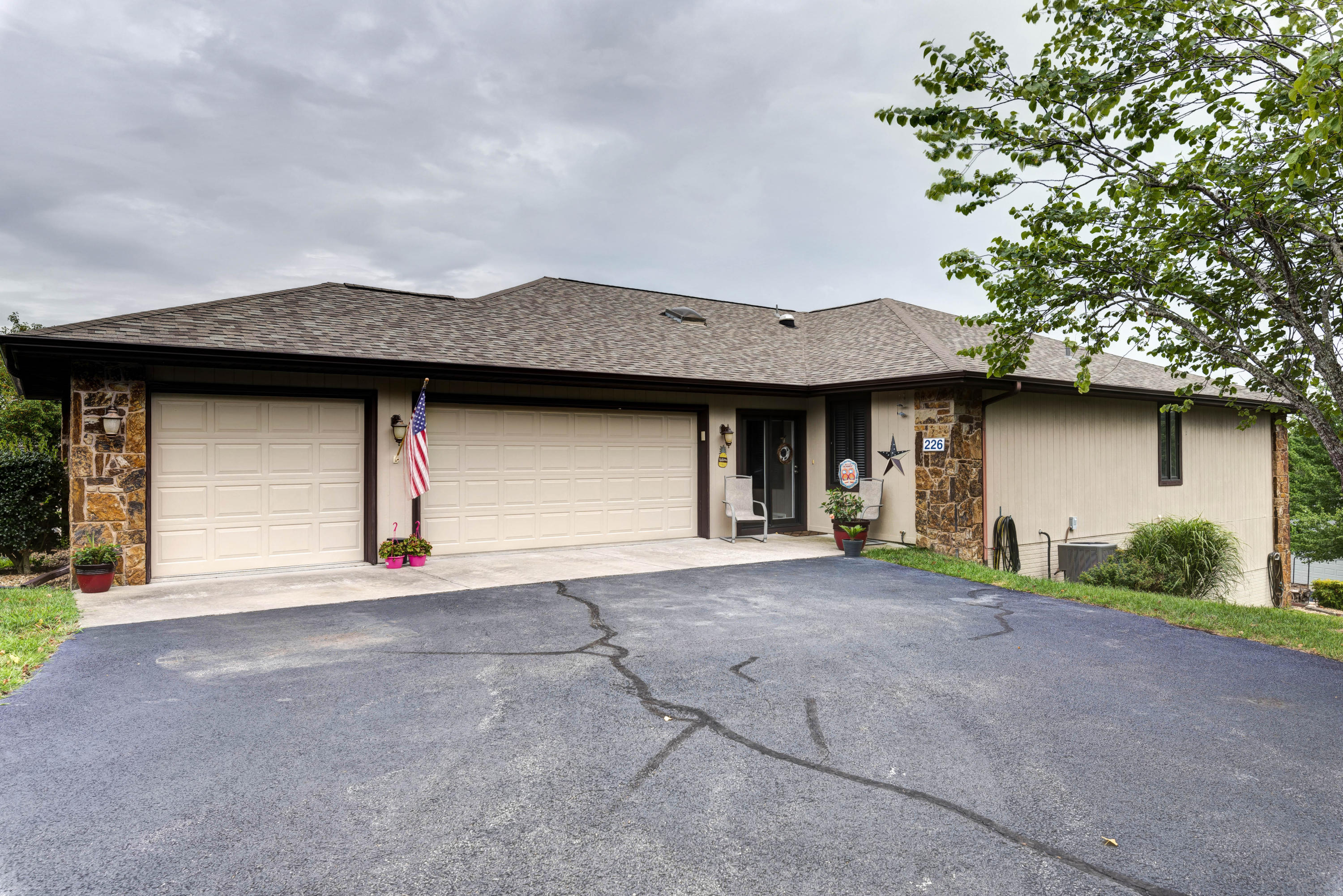 226 Starboard Drive Kimberling City, MO 65686