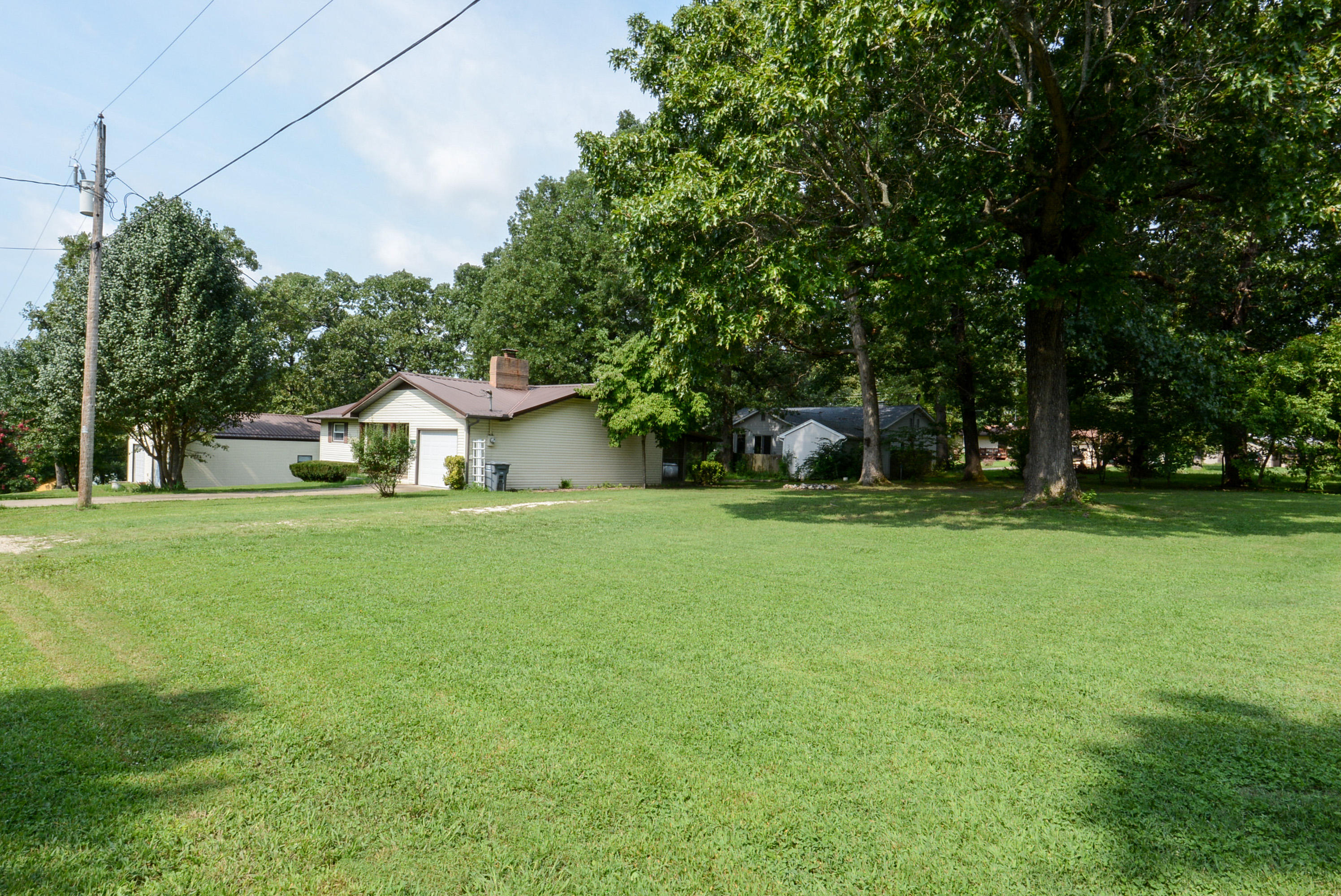 27319 Hickory Dr. Drive Eagle Rock, MO 65641