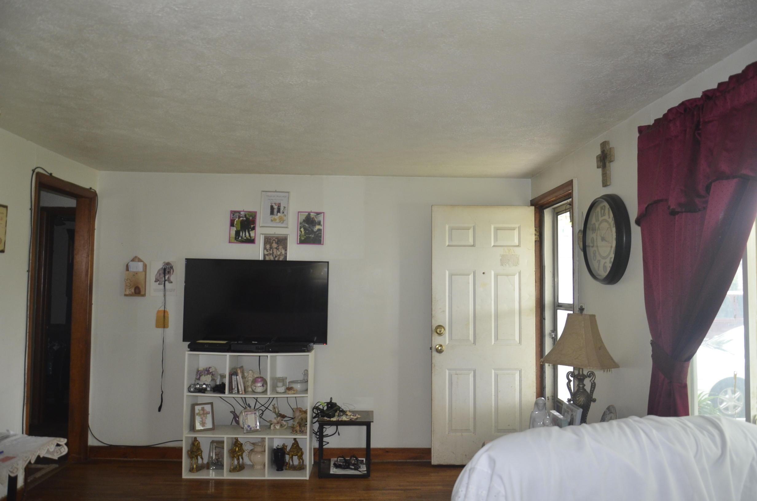524 South Walnut Street Marshfield, MO 65706