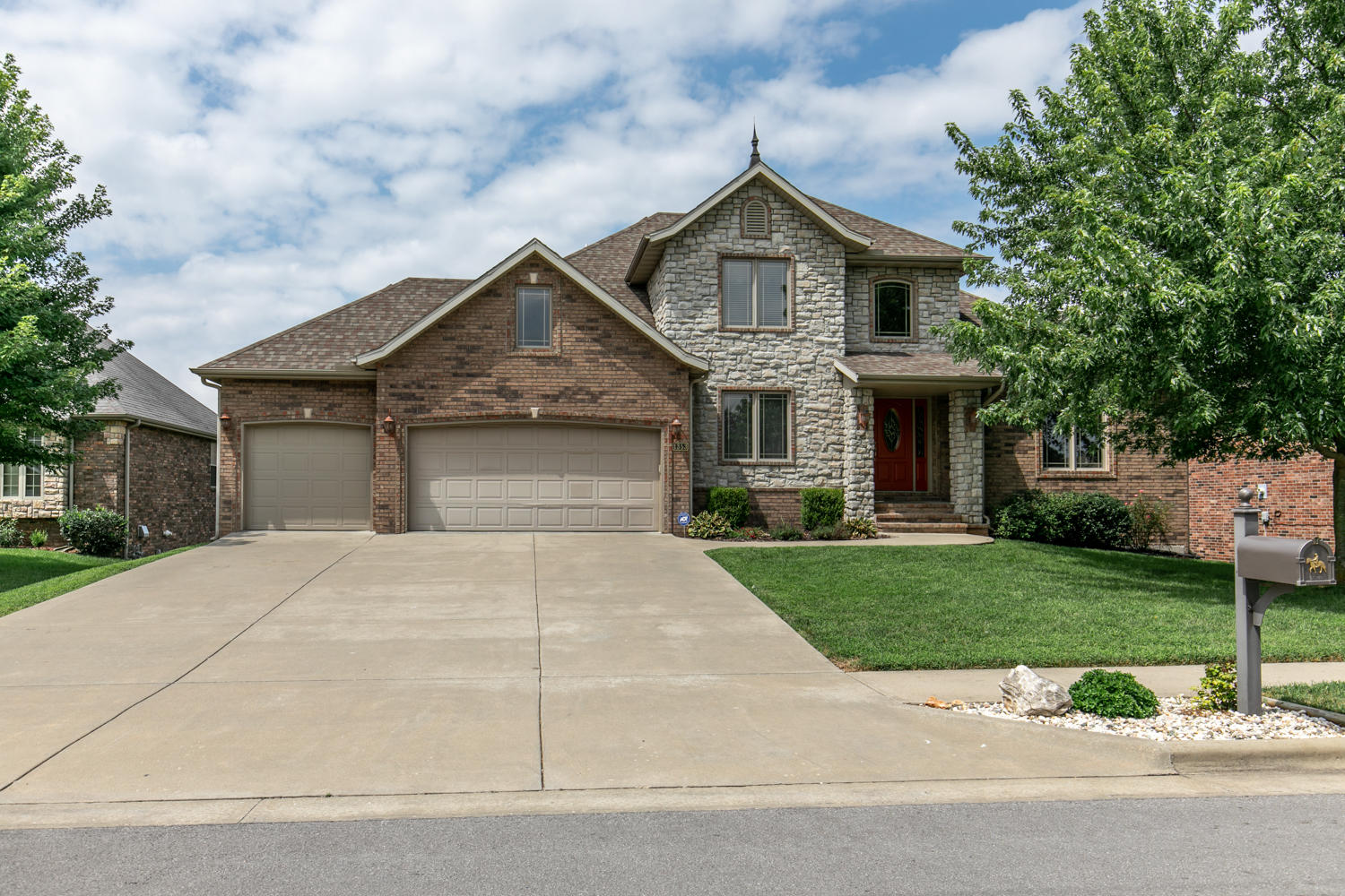 1353 Rosedale Court Springfield, MO 65802