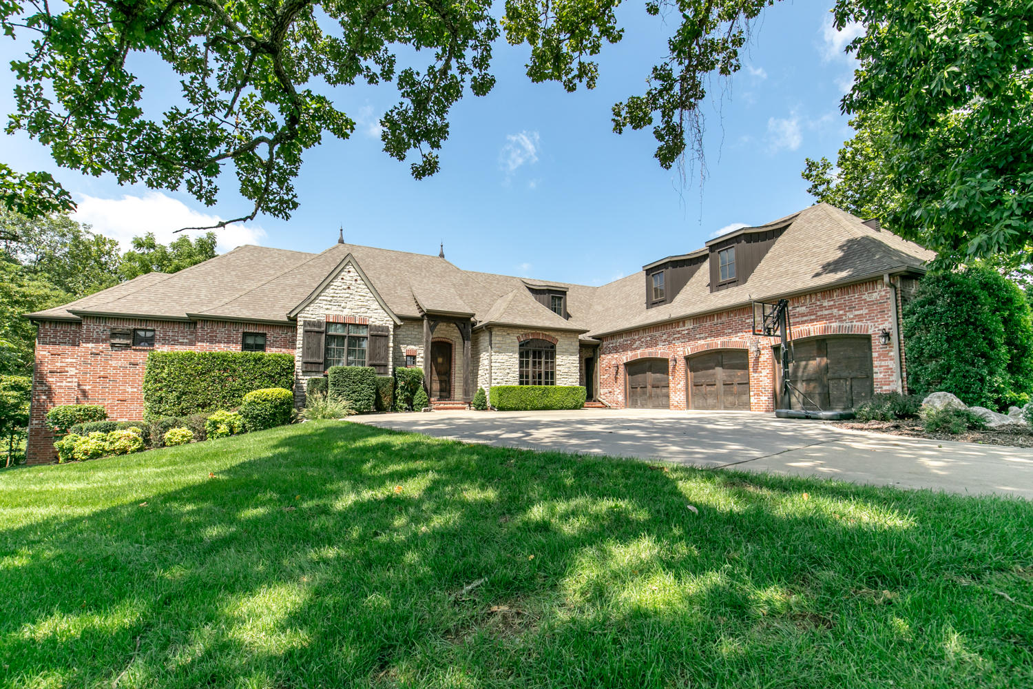 6241 South Weatherwood Trail Springfield, MO 65810