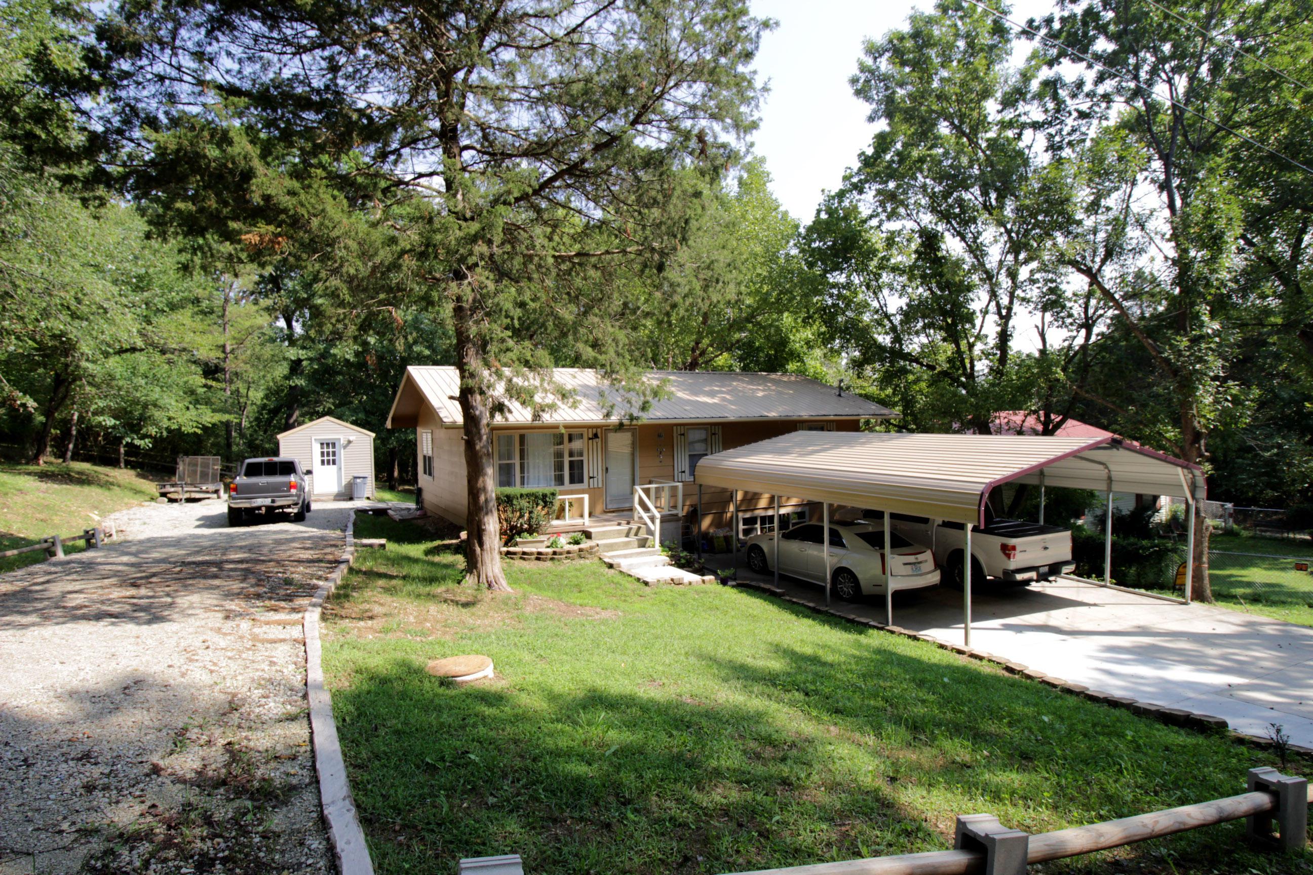 195 Buena Vista Hollister, MO 65672