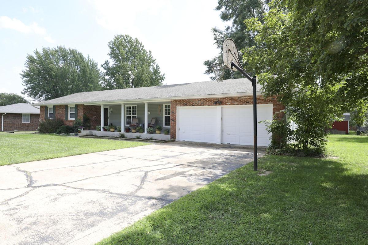 842 East Bedford Street Marshfield, MO 65706