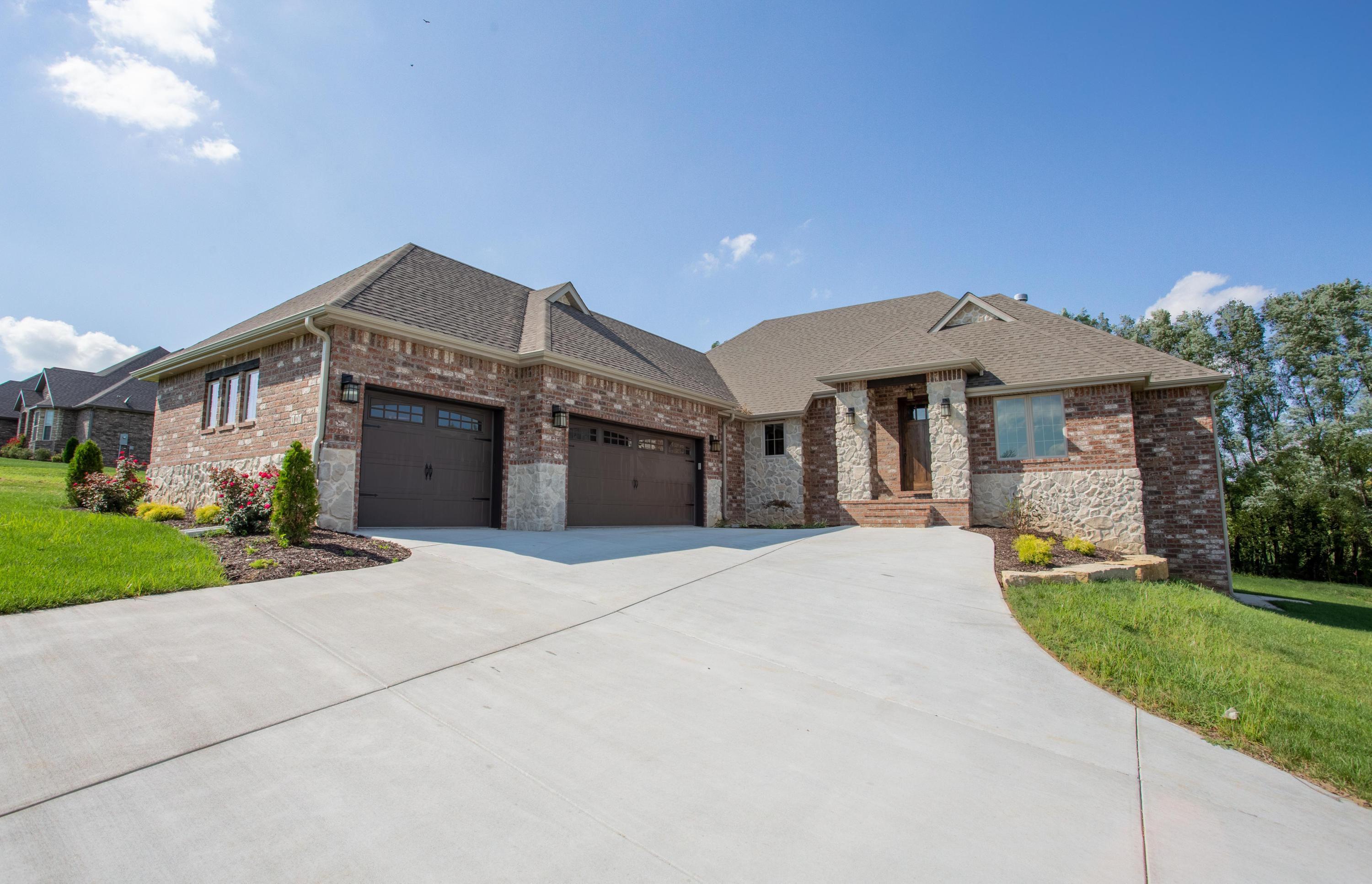 101 North Greenview Court Republic, MO 65738
