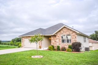 1912 North Seabrook Drive Nixa, MO 65714