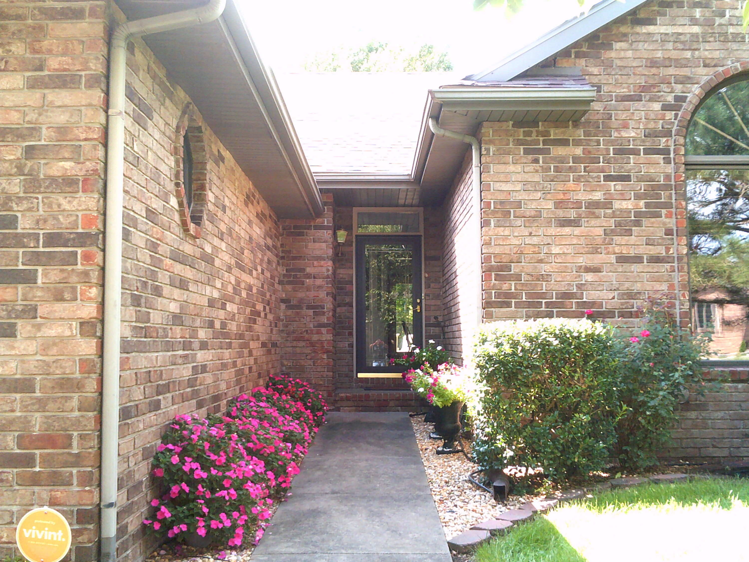 2395 South Nolting Avenue Springfield, MO 65807