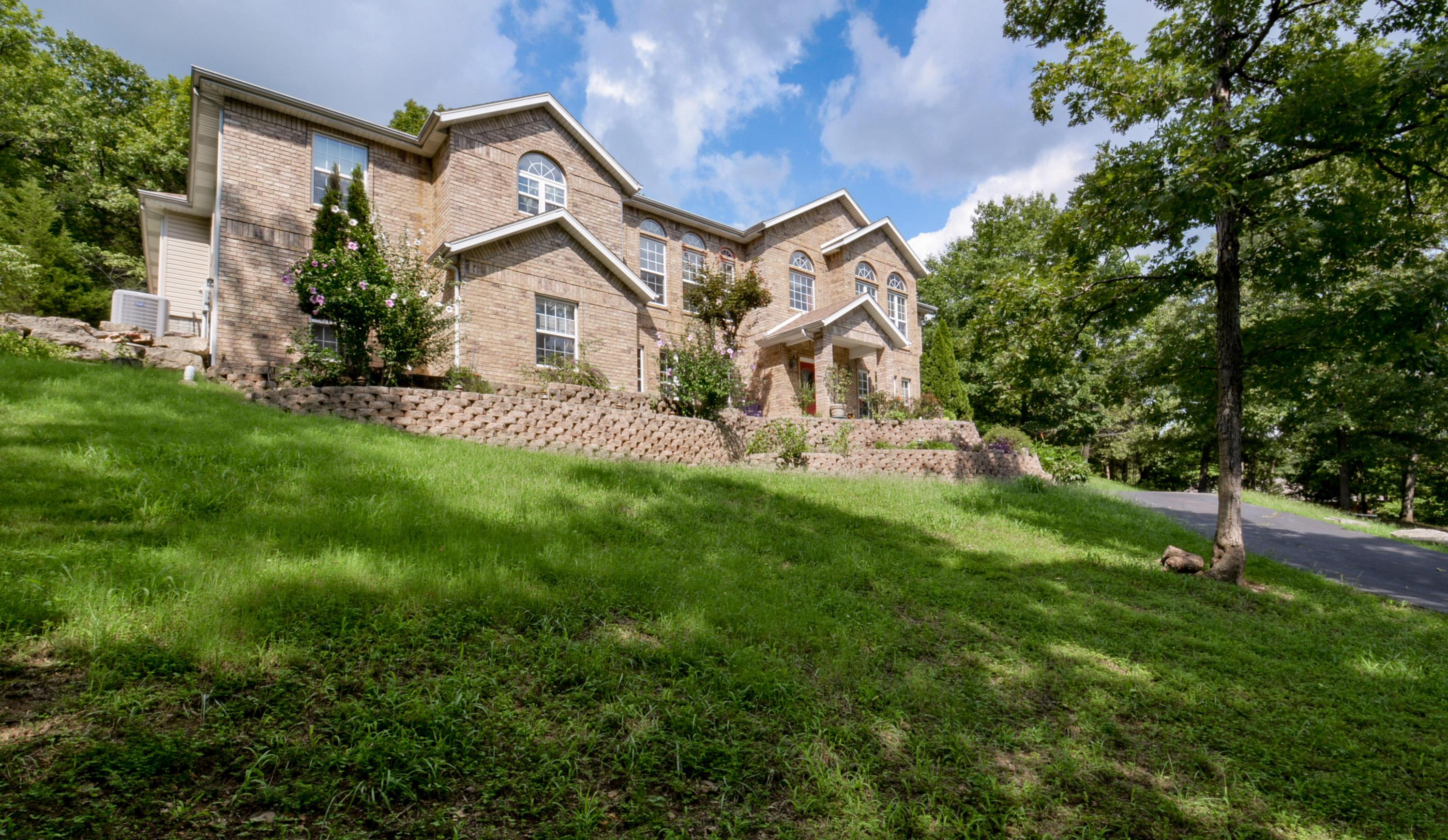 253 Austin Place Branson West, MO 65737
