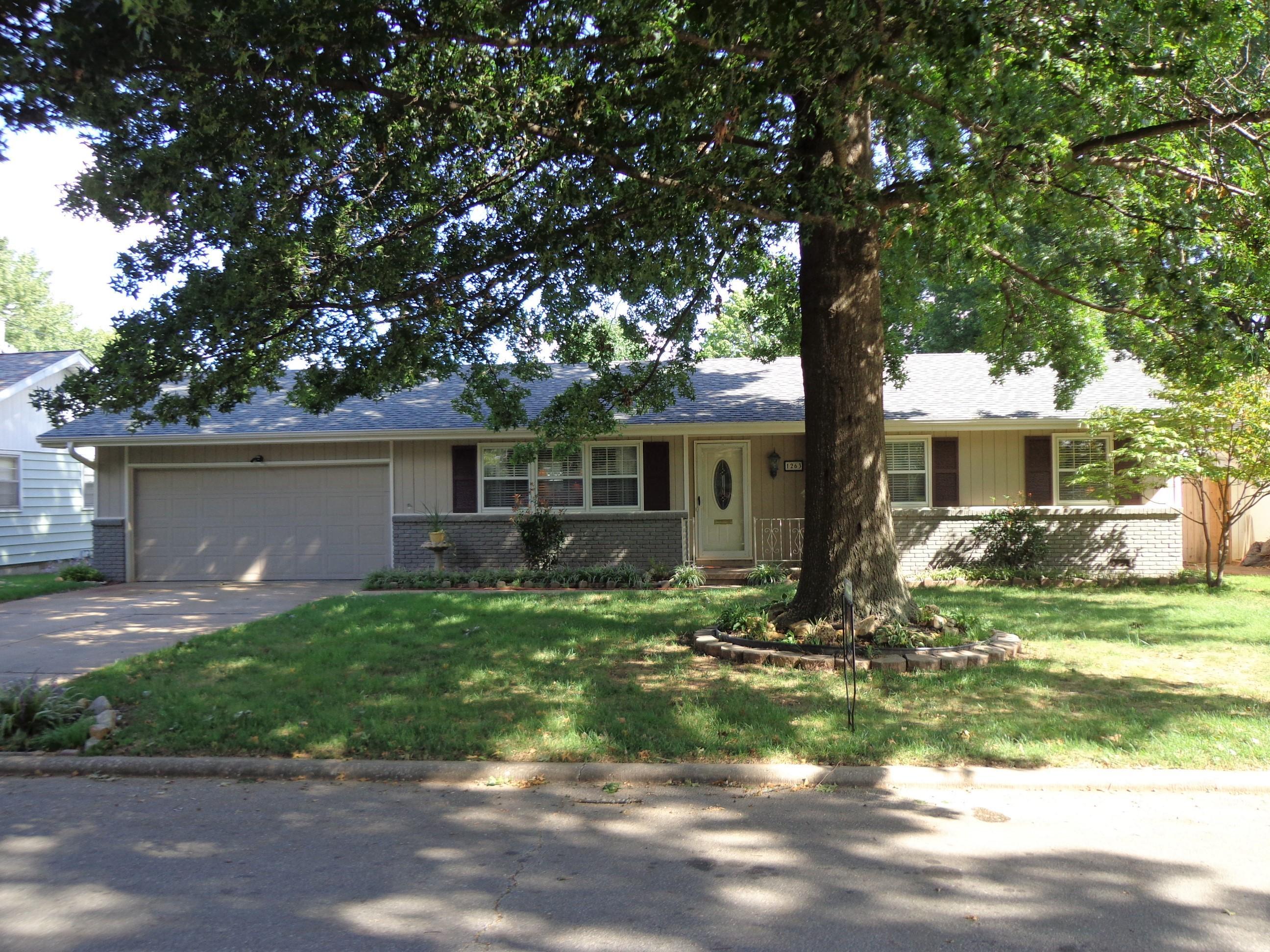 1263 East Edgewood Street Springfield, MO 65804