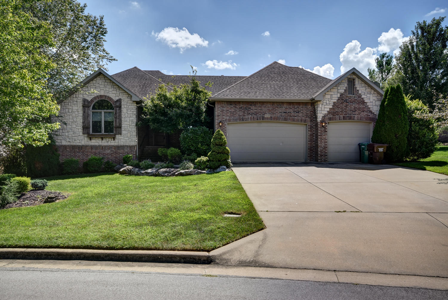 5965 South Overlook Trail Springfield, MO 65810