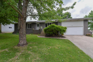 3419 South Westwood Avenue, Springfield, MO 65807