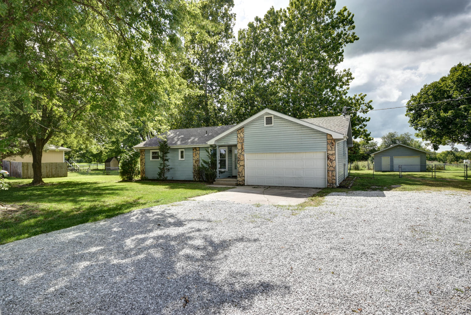 5901 South State Highway Ff Battlefield, MO 65619