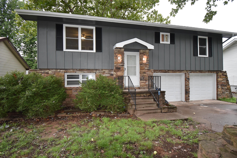 905 East Rosebrier Street Springfield, MO 65807