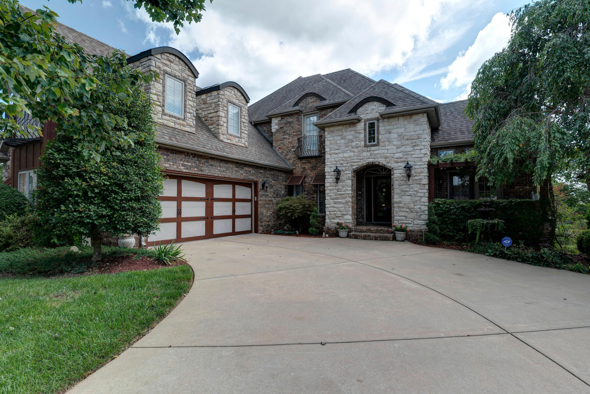 3124 West Fieldstone Way Springfield, MO 65810
