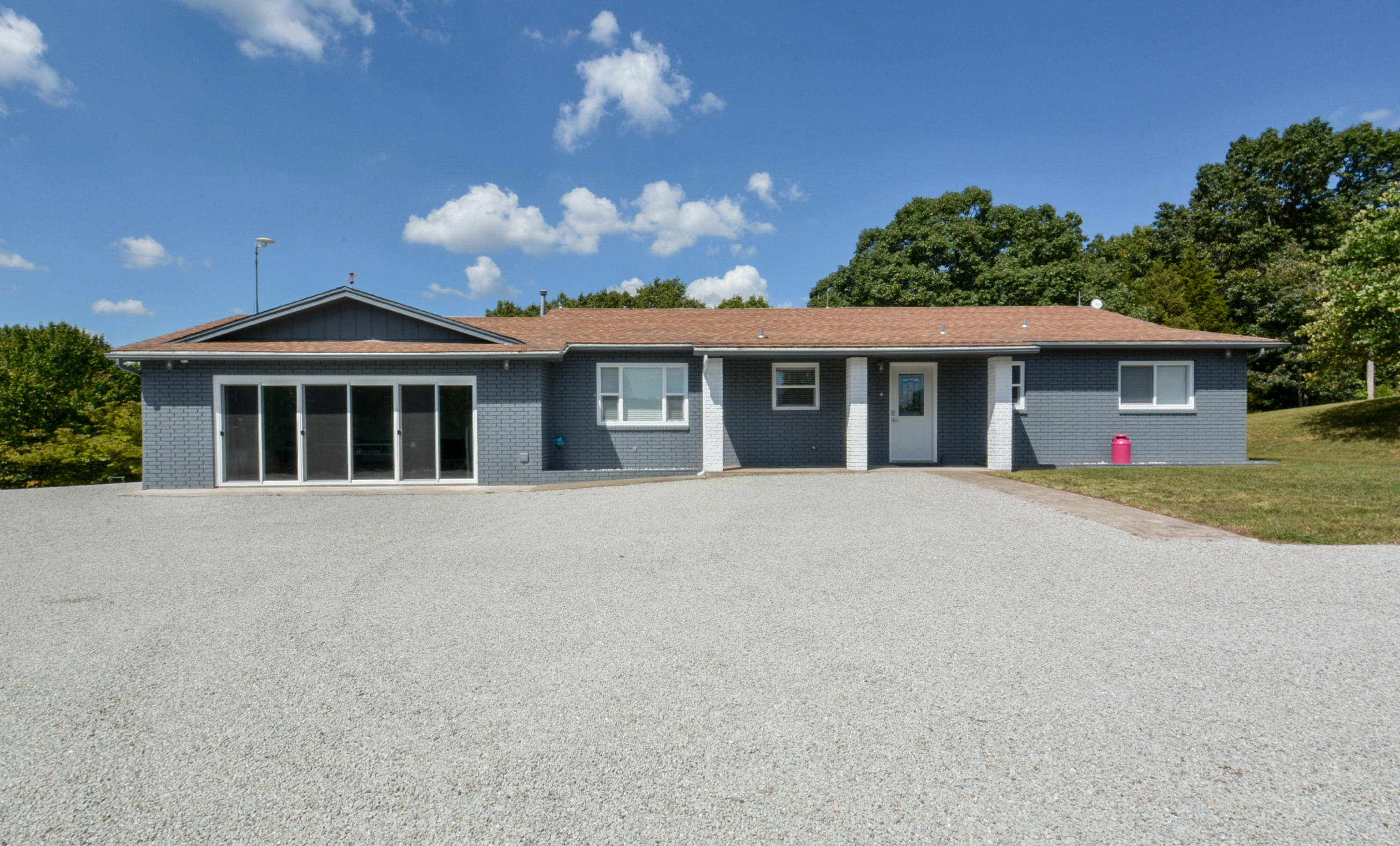 1224 Us Hwy 65 Walnut Shade, MO 65771