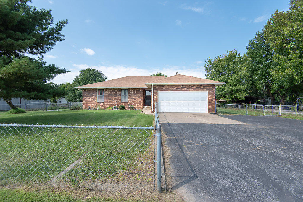 5531 North Farm Rd 191 Springfield, MO 65803