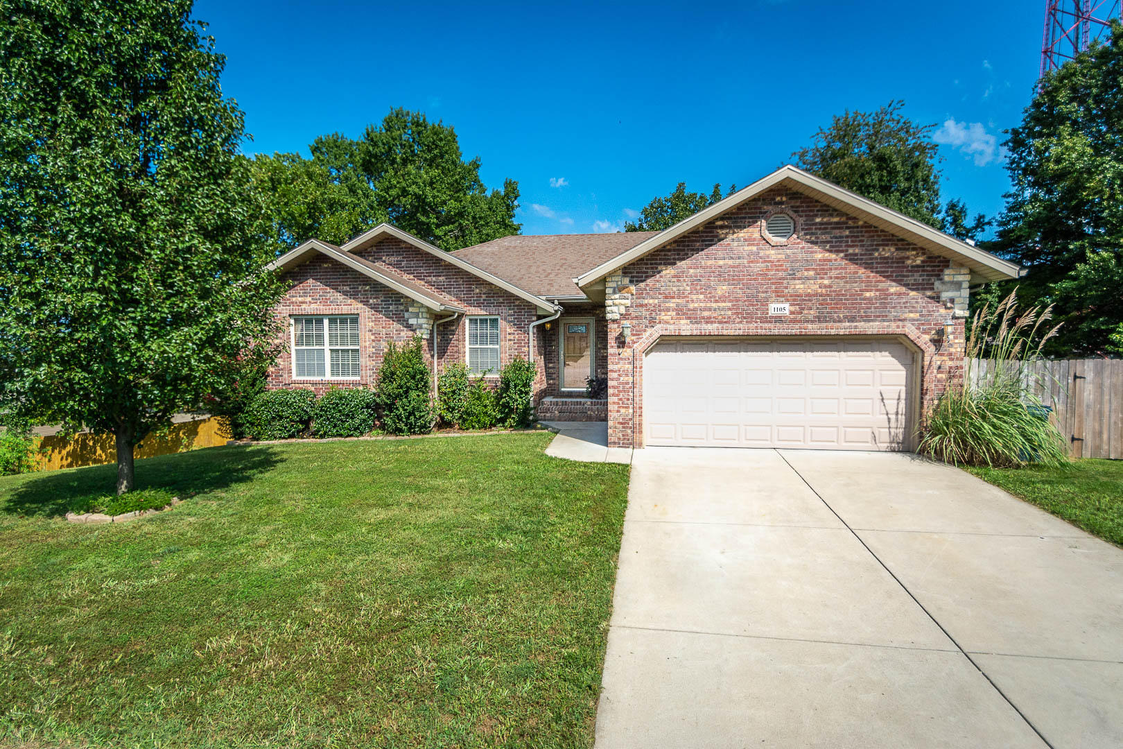 1105 West Chase Court Ozark, MO 65721