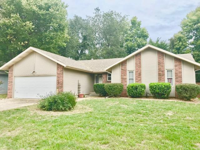 3355 West Camelot Street Springfield, MO 65807