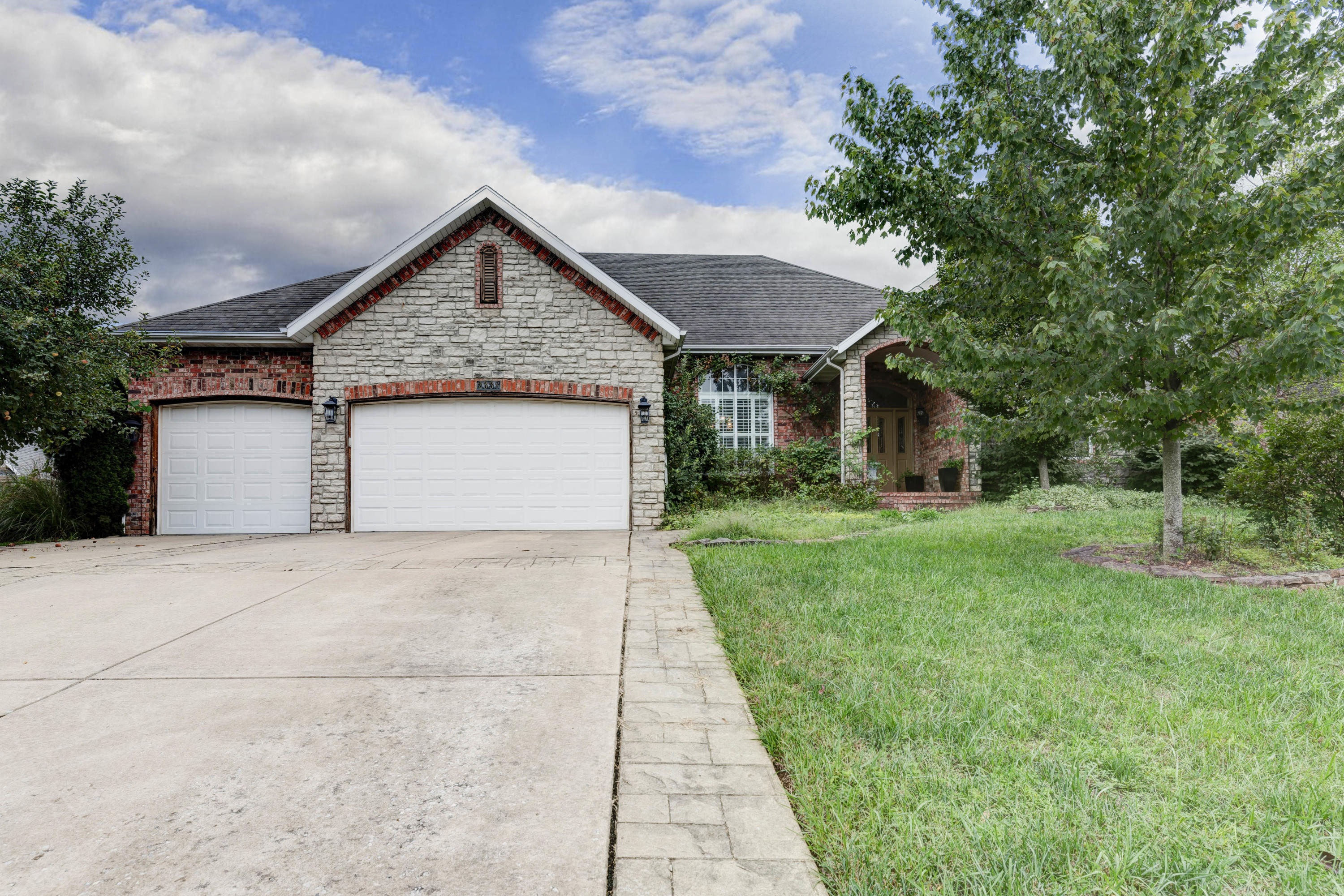 2338 South Forrest Heights Avenue Springfield, MO 65809