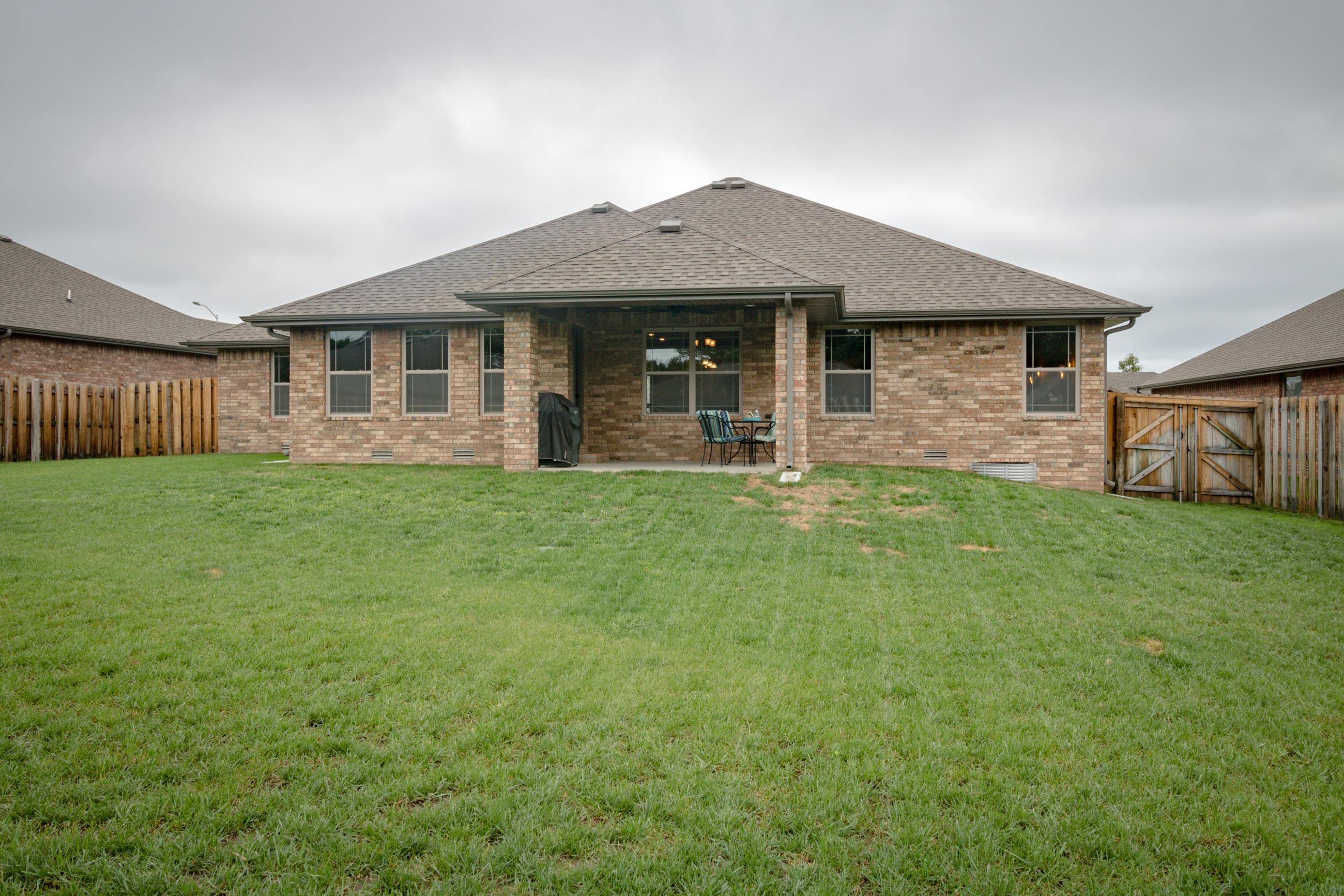 5749 South Cottonwood Drive Battlefield, MO 65619