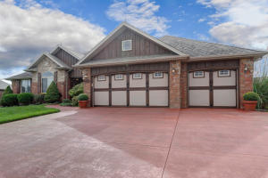 1504 South Blockade Road, Republic, MO 65738