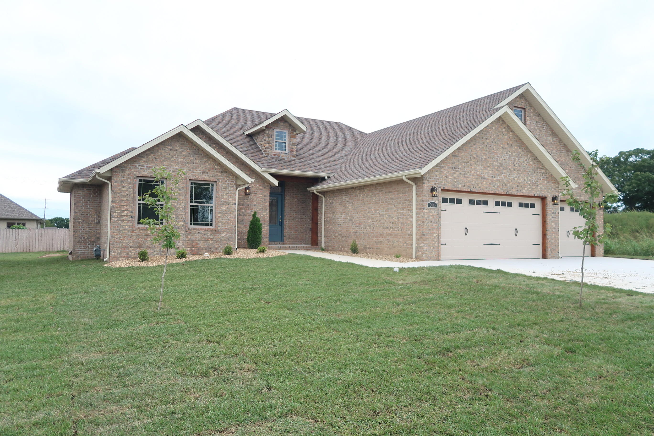 5662 East Park Place Strafford, MO 65757