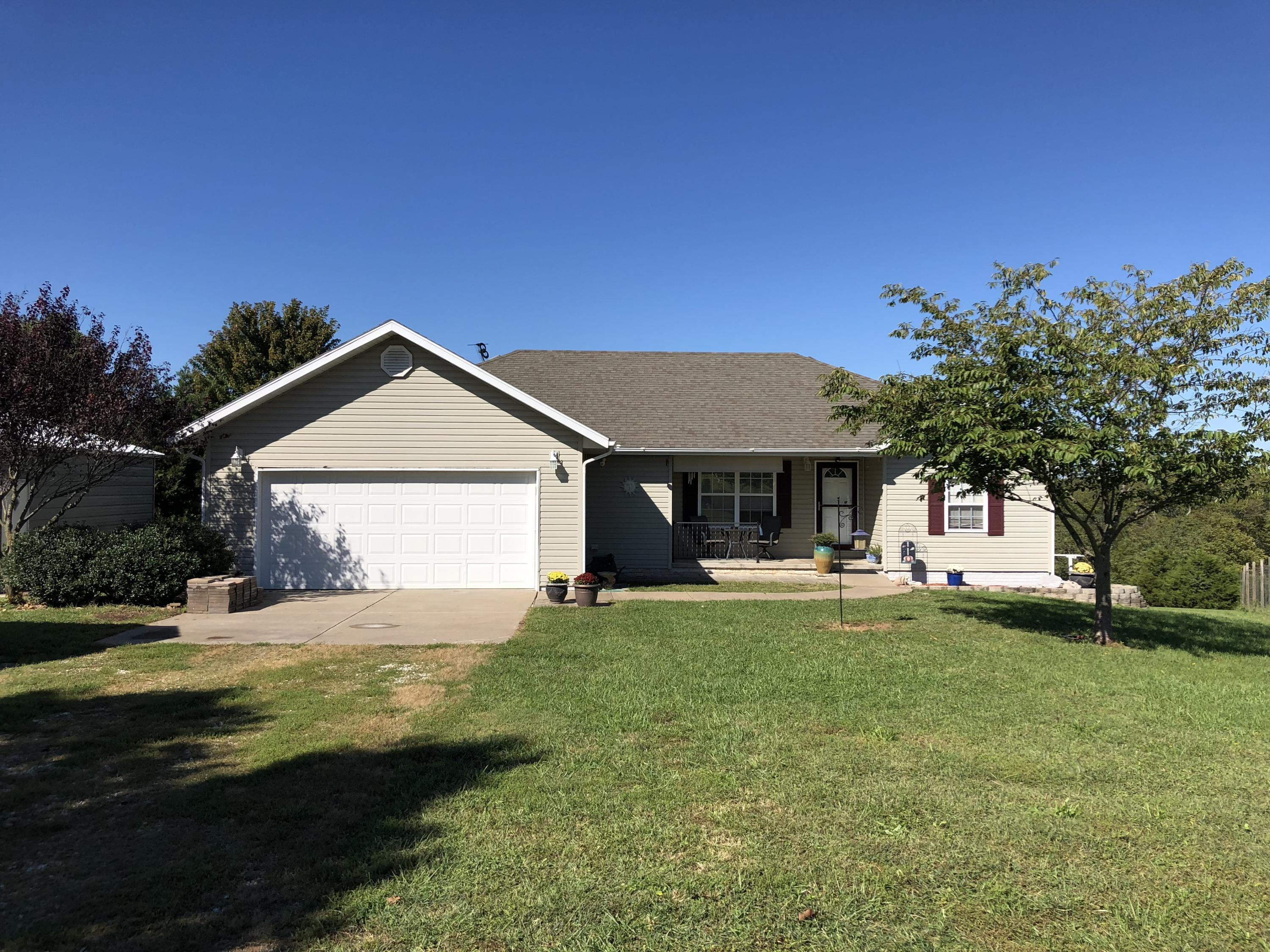 2477 Montague Road Highlandville, MO 65669