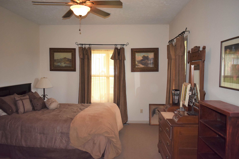 1445 Eagle Ridge Road Protem, MO 65733