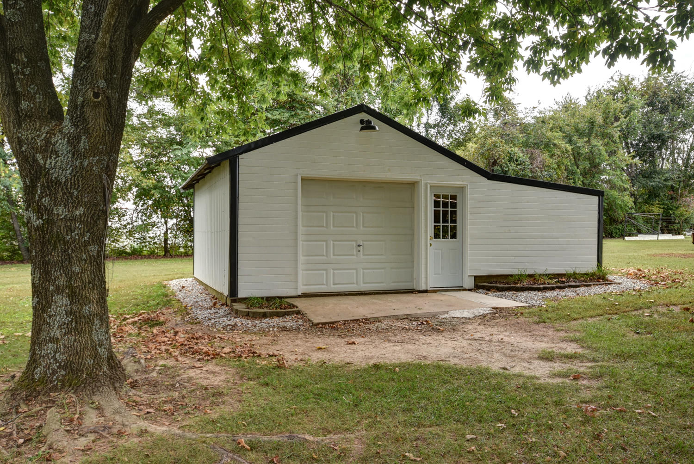 5122 East Farm Rd 192 Rogersville, MO 65742