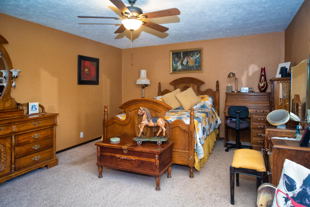 17 Hilltop Drive Kimberling City, MO 65686