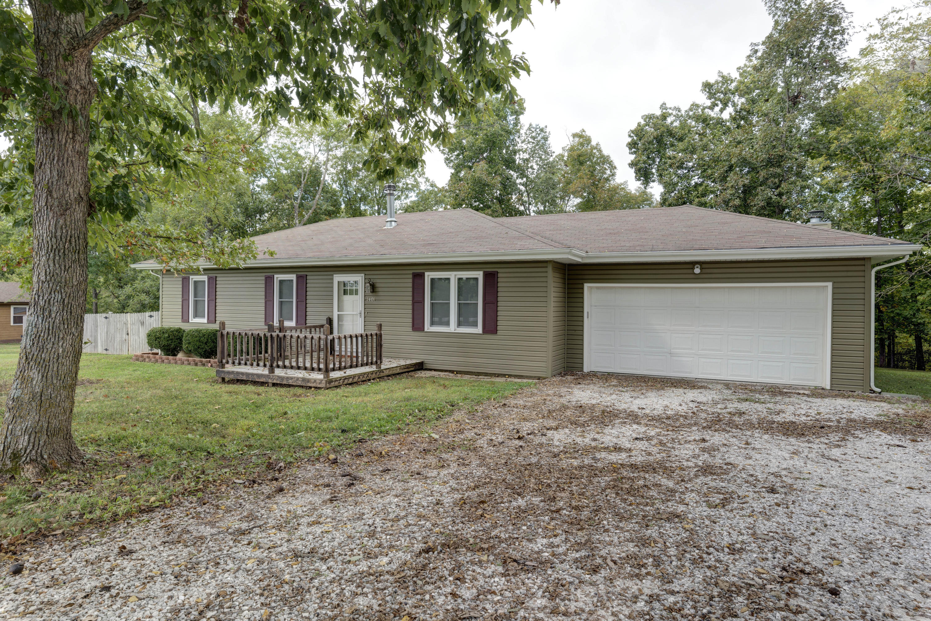 1401 North Fremont Road Ozark, MO 65721