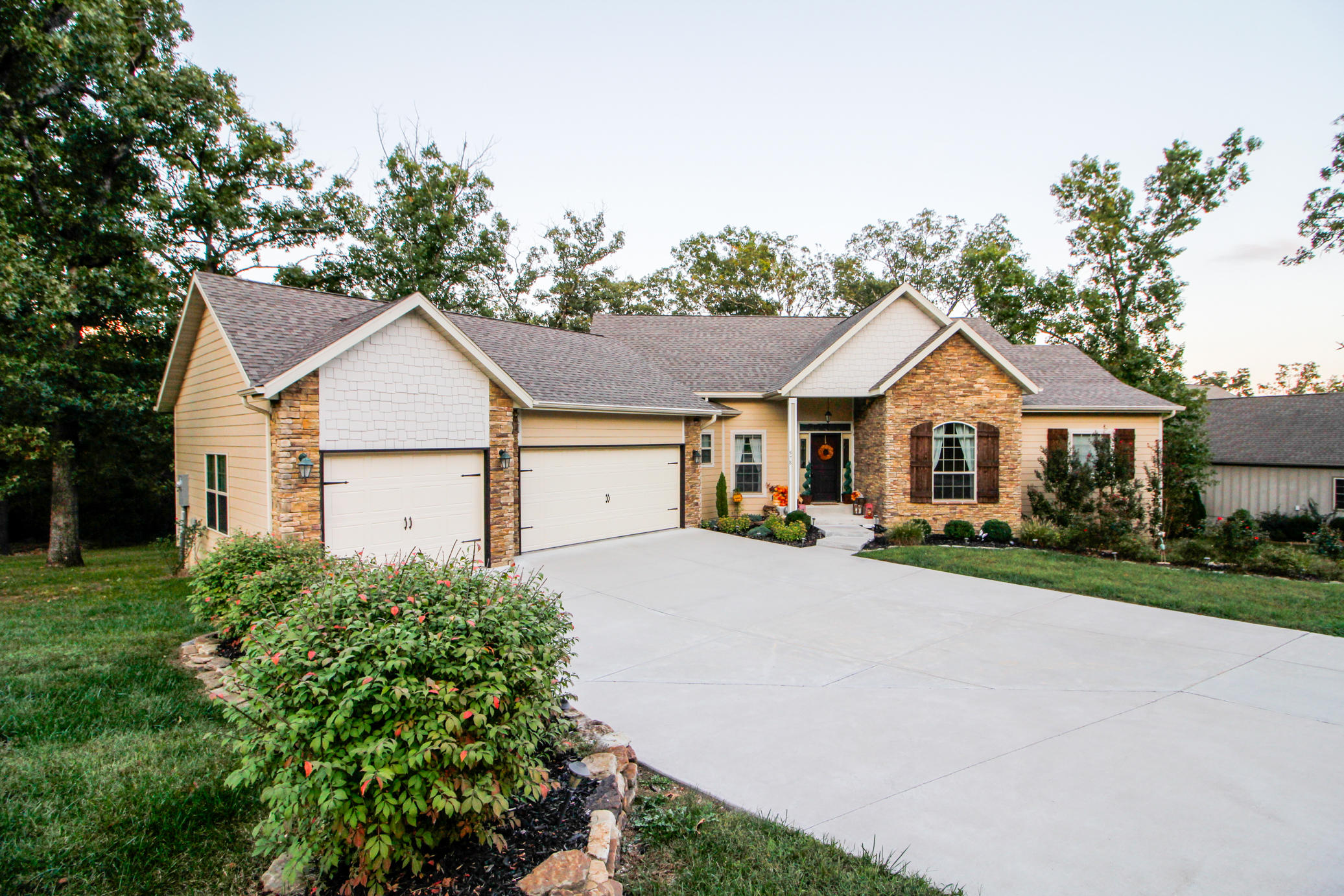578 Weatherstone Drive Branson West, MO 65737