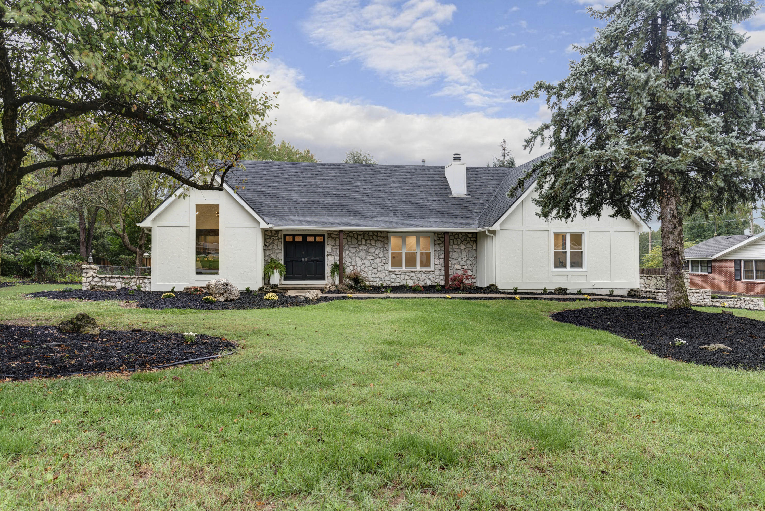 2772 East Southern Hills Boulevard Springfield, MO 65804