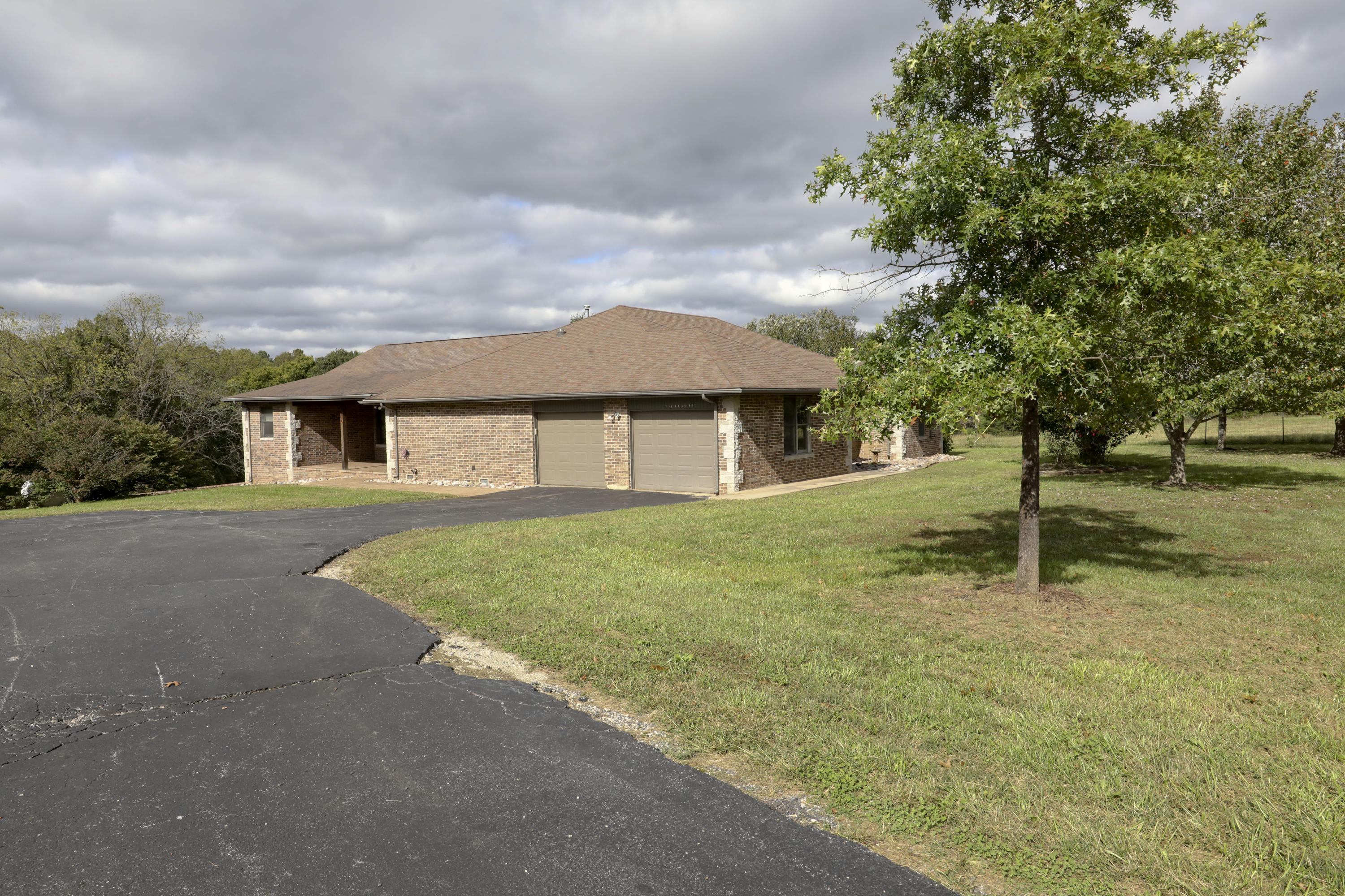 585 Ghan Road Clever, MO 65631