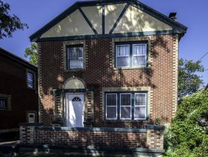 1215 North Robberson Avenue