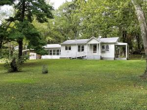 1417 East Farm Rd 92