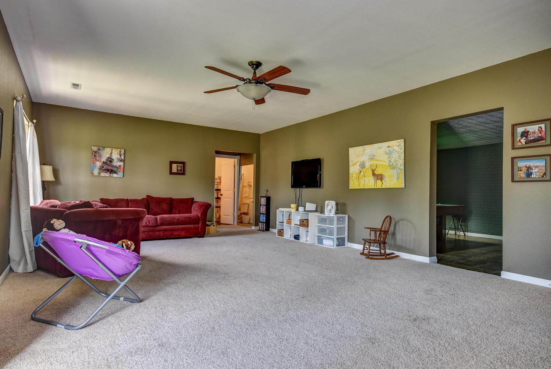 1070 West Sunny Slopes Drive Nixa, MO 65714